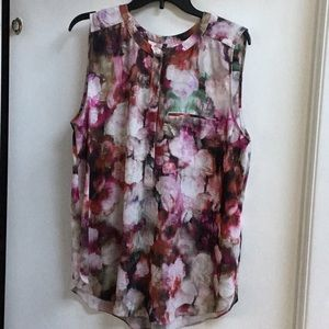 Flowered sleeveless blouse